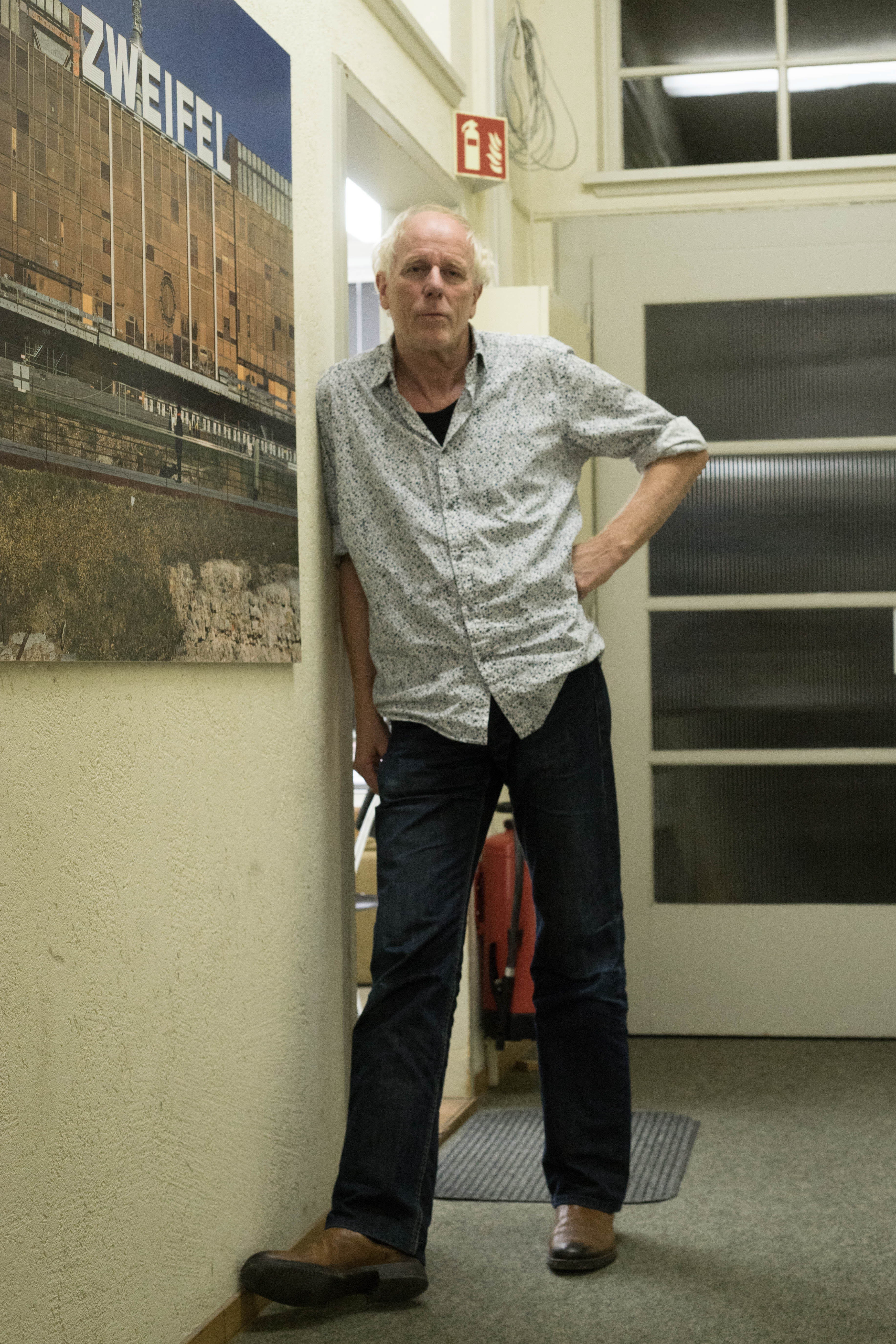 christian helmle ein zeitreisender und sein negativfilm und das genrationentandem. Black Bedroom Furniture Sets. Home Design Ideas